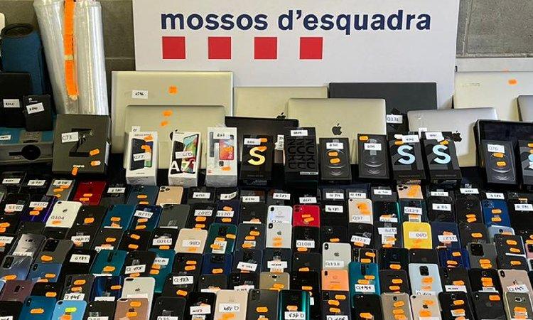 Recuperen a l'Hospitalet més de 300 aparells electrònics robats a tot Catalunya