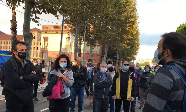 Nova protesta contra la construcció de pisos a Cosme Toda