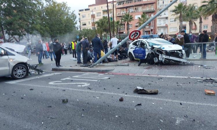 Millora l'estat de salut dels tres agents de la Policia Local del Prat que van patir un accident