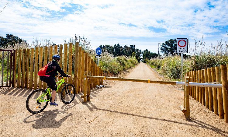 Milloren els accessos a les platges de Viladecans