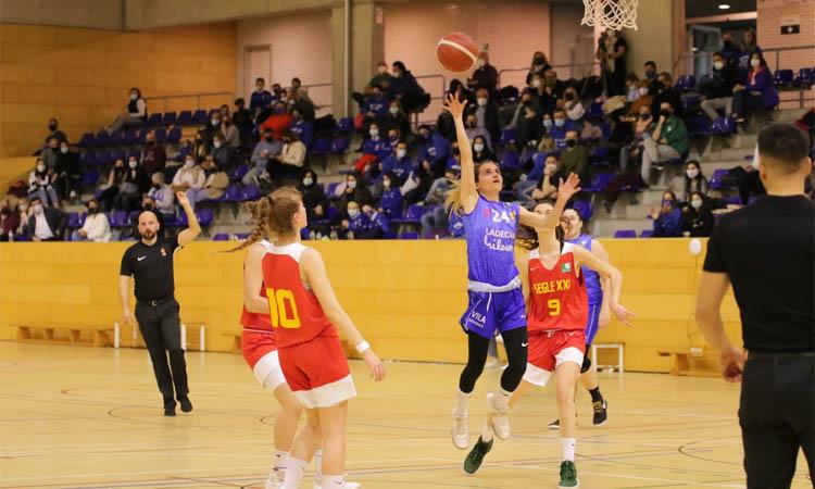 El BF Viladecans tanca una temporada històrica amb el primer partit amb públic