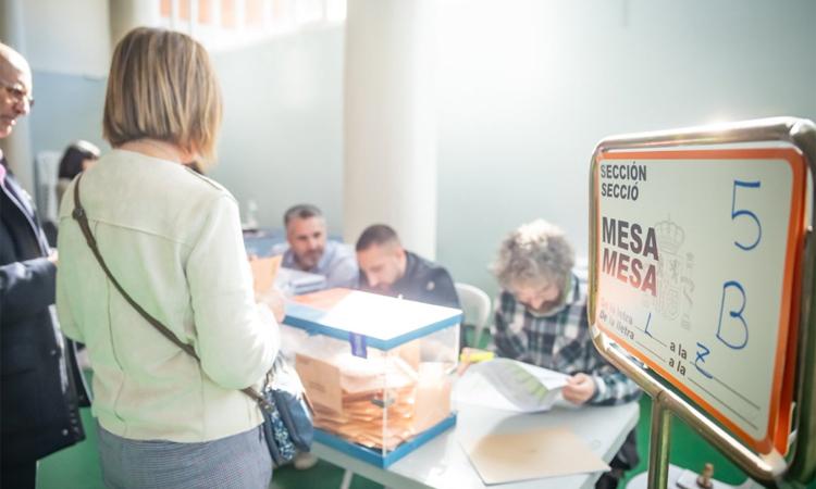 La participació al Prat cau menys que la mitjana de Catalunya