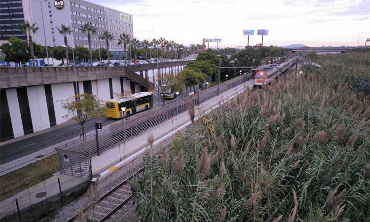 Reclamen augmentar el nombre de trens que s'aturen a Viladecans