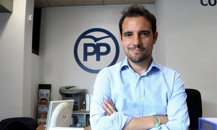 Manu Reyes entra com a diputat al Parlament