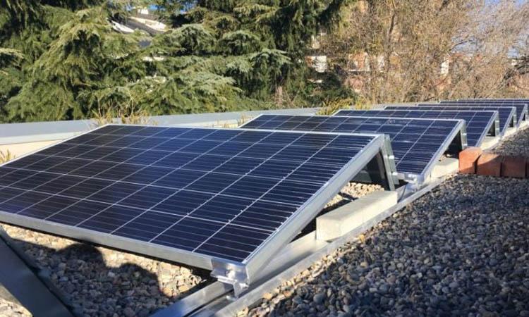 L'Àrea Metropolitana vol triplicar la generació d'energia solar