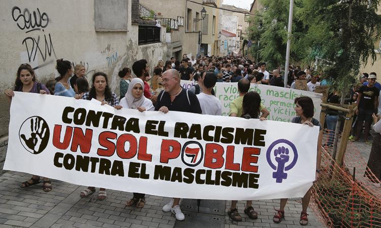 El Masnou clama contra la violència masclista i el racisme