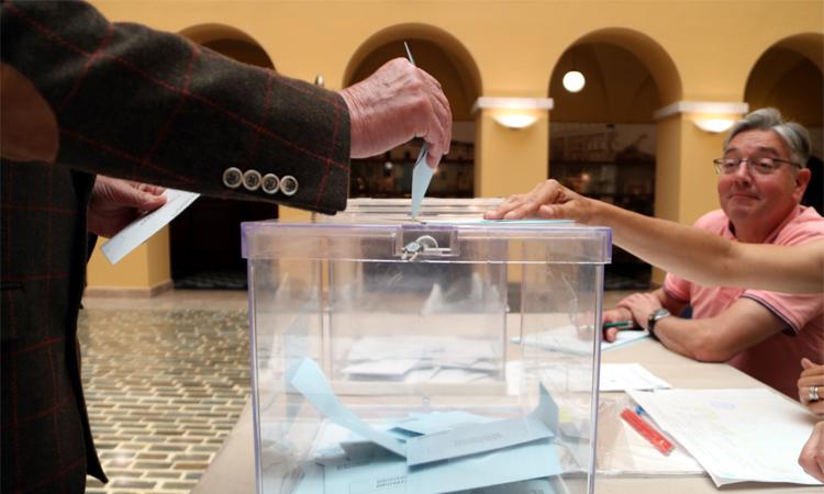 Més del 52% dels masnovins voten a les municipals