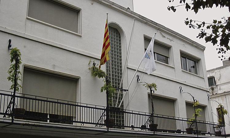 Buch paga les despeses judicials pel cas de la bandera