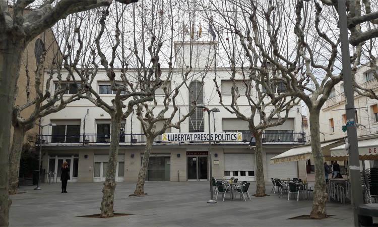 """Polèmica contractació """"partidista"""" de dos nous càrrecs de confiança a Premià de Mar"""
