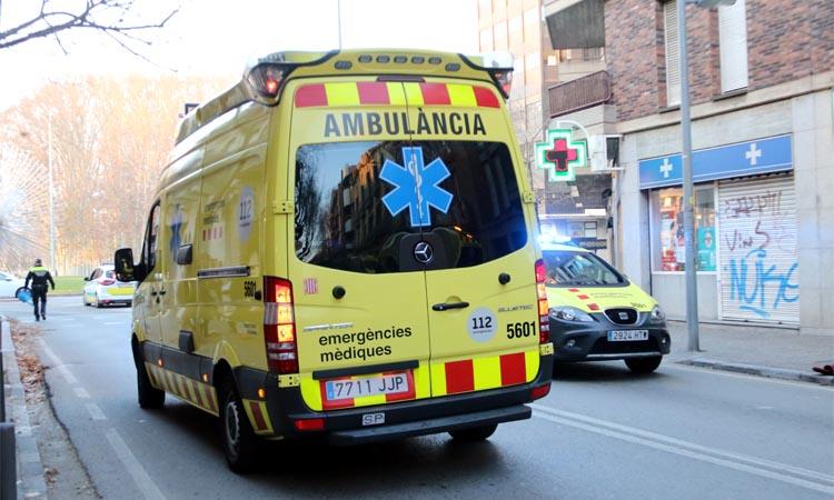 Mor un treballador en caure del sostre d'una nau industrial a Vilassar de Mar