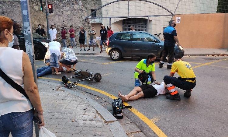 Un home gran, en estat crític després de ser atropellat per un patinet a Badalona