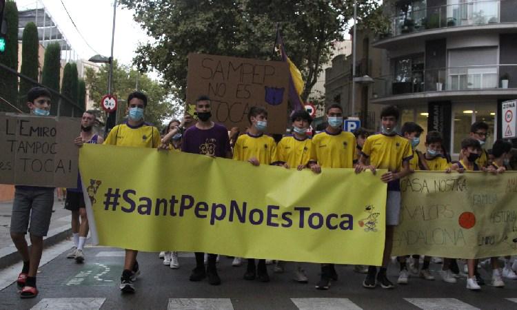 La Penya es mulla i també dona suport al Sant Josep