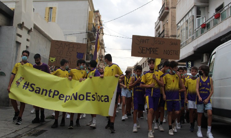 Clam als carrers de Badalona per la reobertura del pavelló del Sant Josep