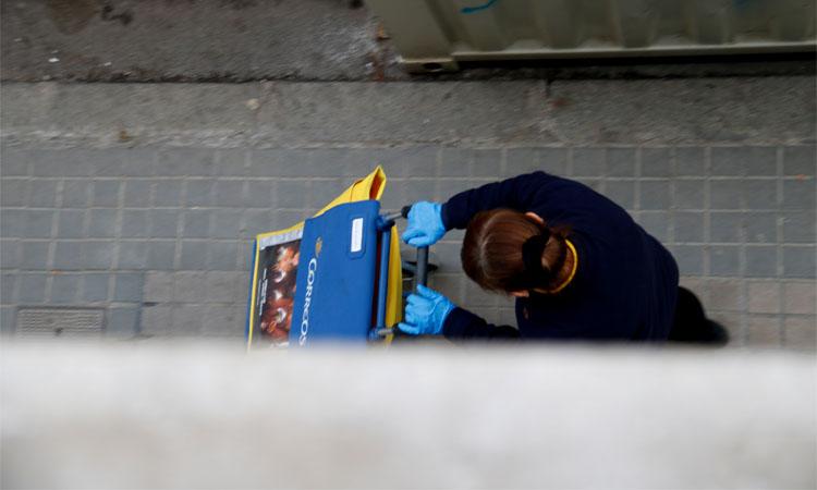"""CCOO i UGT denuncien que Correus """"ignora"""" les mesures i posa en risc els treballadors"""