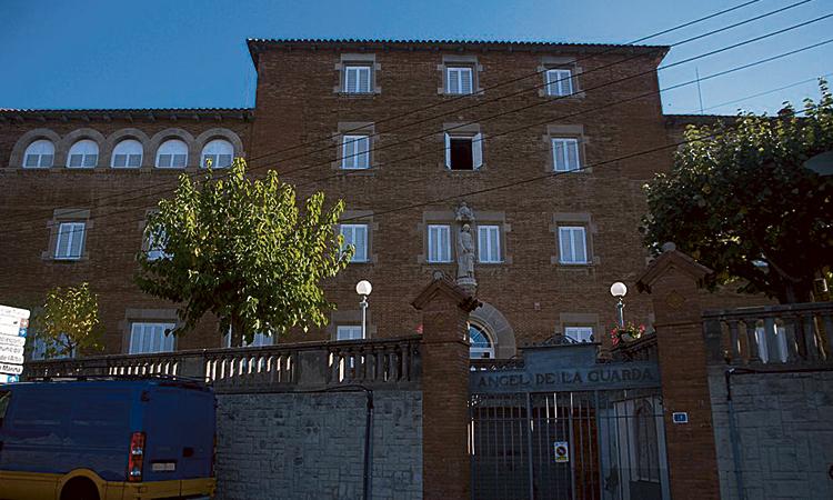 Exalumnes d'una escola de Montgat denuncien abusos