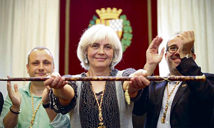Guanyem Badalona i ERC ultimen un preacord a l'espera dels comuns