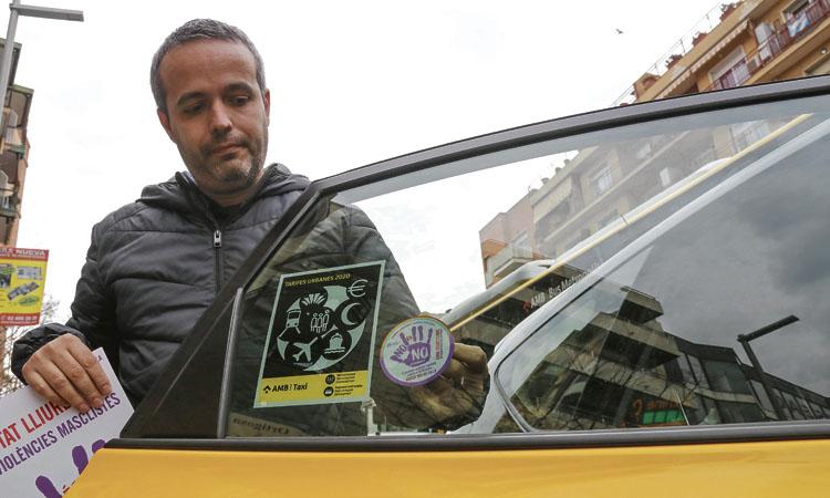 Els taxistes de Santa Coloma se sumen a la lluita contra la violència masclista