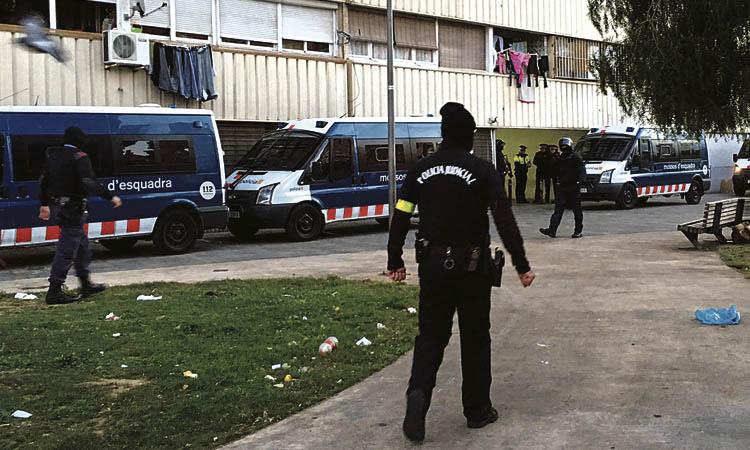 Un policia nacional admet que era el talp d'un narco de la Mina