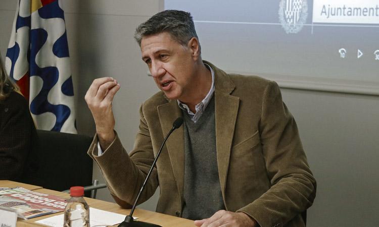 Albiol gasta 28.000 euros en una campanya de tríptics que van acabar repartint els coordinadors de districte