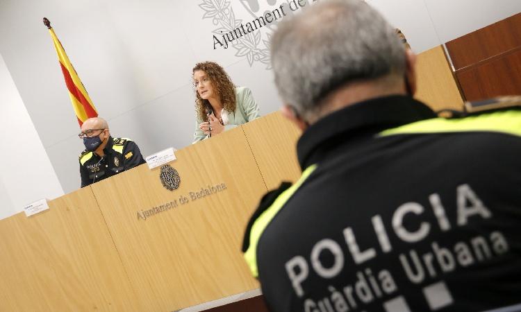 Investigació oberta pel furt a la Guàrdia Urbana i nova petició de dimissió a González
