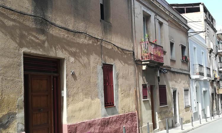 Ultimàtum de cinc mesos als veïns de la Ciutat Vella afectats pels enderrocs