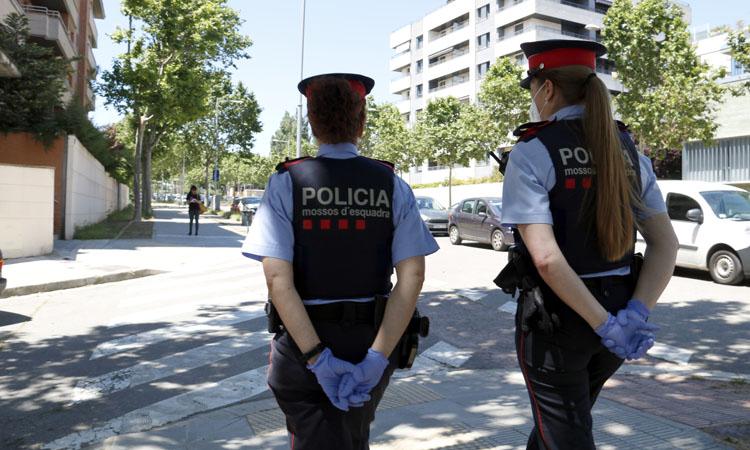 Detenen una parella de carteristes habituals després d'un robatori violent a Badalona
