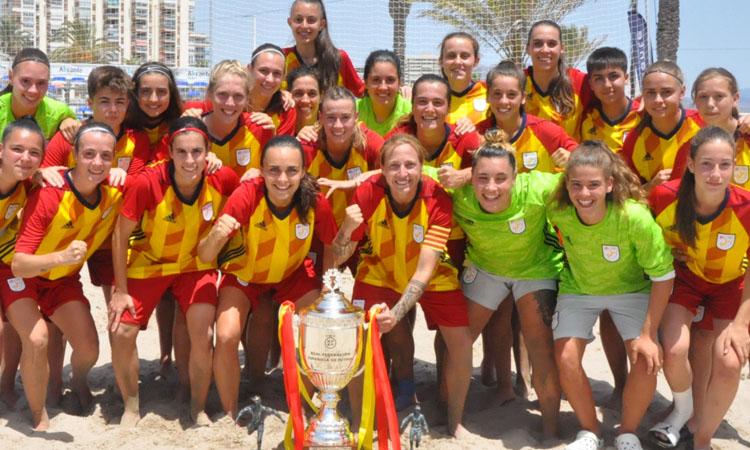 La selecció, amb jugadores de Sant Gabriel i Seagull, campiona estatal de futbol platja