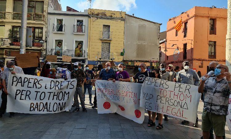 Suspès el desnonament de la nau ocupada al carrer Progrés de Badalona