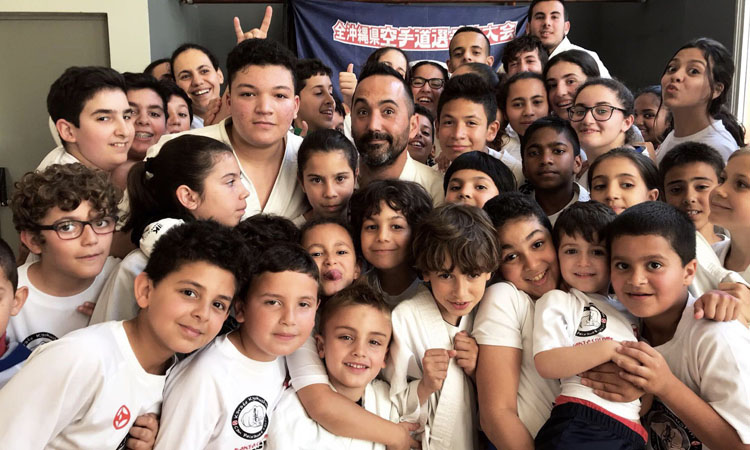 Un cop letal? La lluita de l'Associació Juvenil Karate Can Peixauet per seguir vius