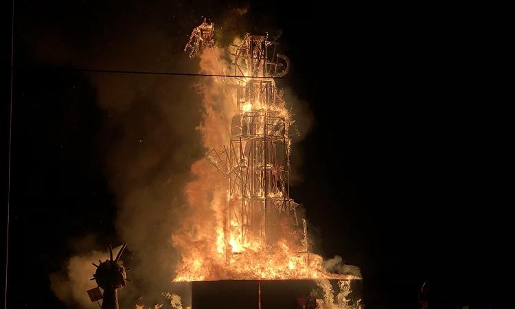 'Cremada' sorpresa del Dimoni Moníssim aquesta matinada amb escàs públic