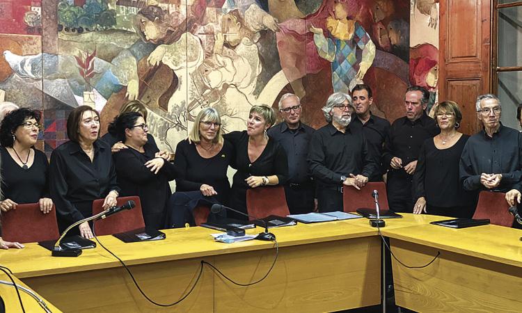 Tiana ret homenatge a la fins ara directora del Cor, Eli Canas