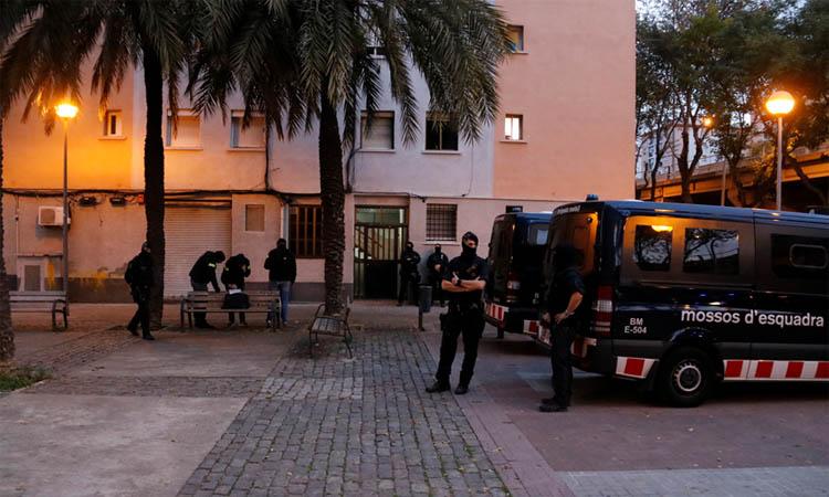 Macrooperatiu policial amb epicentre a Sant Roc contra el tràfic de drogues i armes