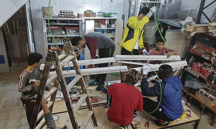 Colau reafirma l'aposta per mantenir la casa per a joves desemparats de Montgat
