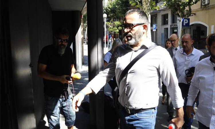 El regidor Ramos rectifica i renúncia al càrrec pel cas de la vigilància de pisos a la Mina