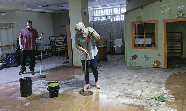 Lluita judicial i pressió al carrer per l'habitatge i el padró a Badalona