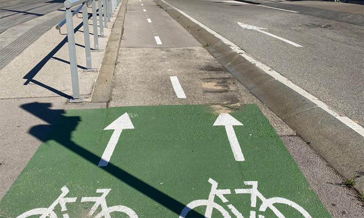 Nou carril bici per pacificar l'avinguda Eduard Maristany de Sant Adrià
