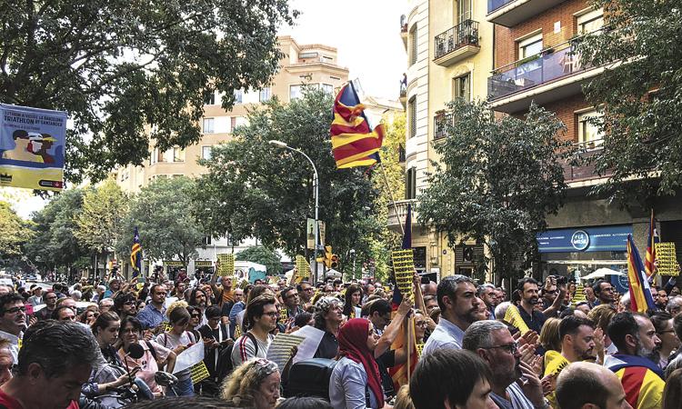 Badalona s'omple de protestes contra la sentència del Procés