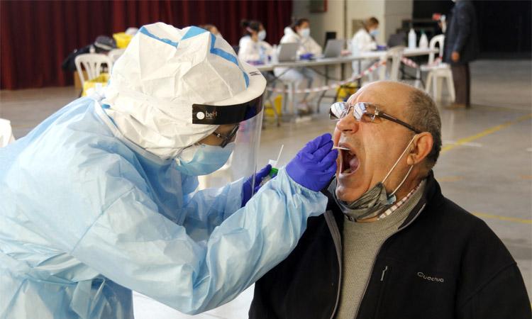 El risc de brot de coronavirus a Badalona s'estabilitza en els 650 punts