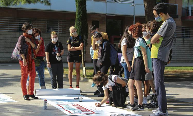 Les ràtios i la falta de recursos tensen els instituts del Barcelonès Nord