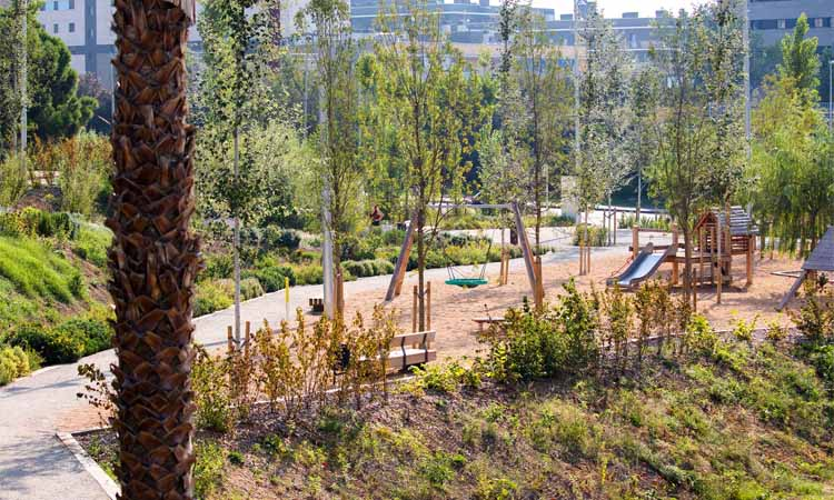 Estrenen dos nous parcs verds a Badalona i Montgat