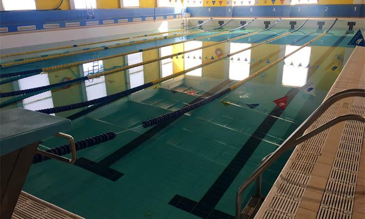 """Els monitors de la piscina Mireia Belmonte, en peu de guerra per un ERTO """"il·legal"""""""