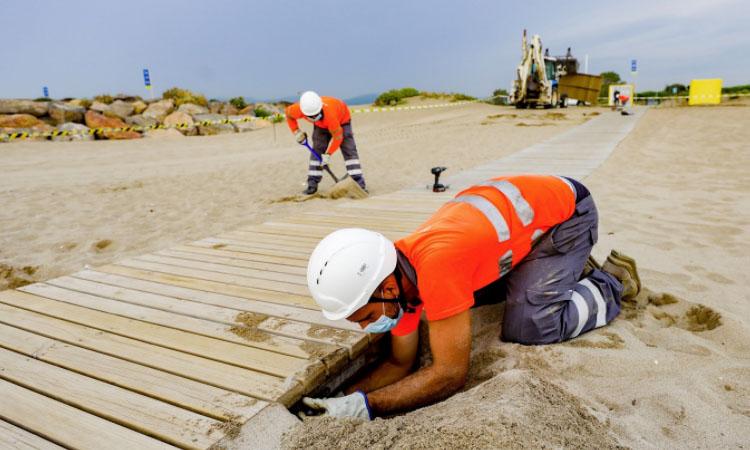 Les platges metropolitanes es preparen per a la temporada tardor-hivern
