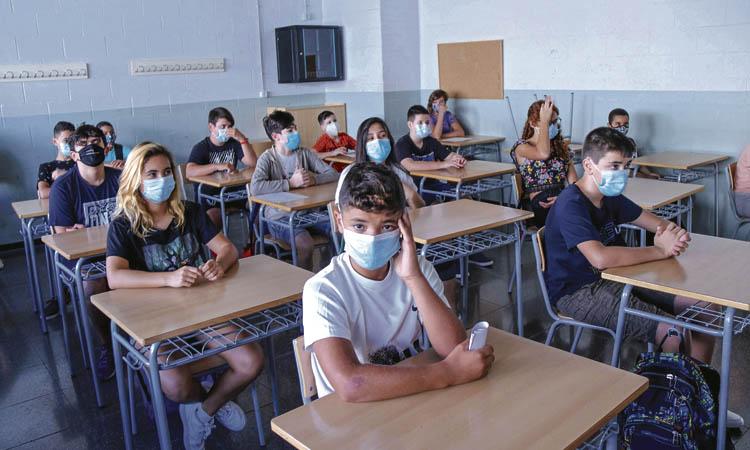 Calma tensa a les aules: comença el curs més complicat