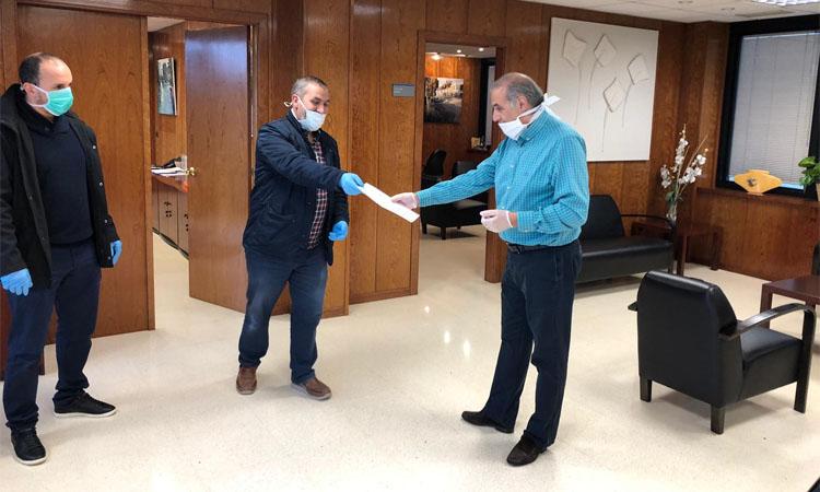 La comunitat islàmica Ali Ibn Abu Talib dona 15.000 euros a l'Ajuntament de Sant Andreu