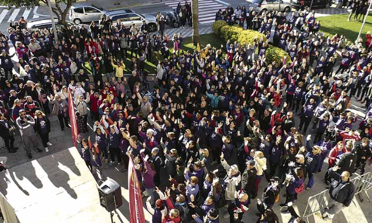 El Montserratí surt al carrer i clama contra la violència masclista