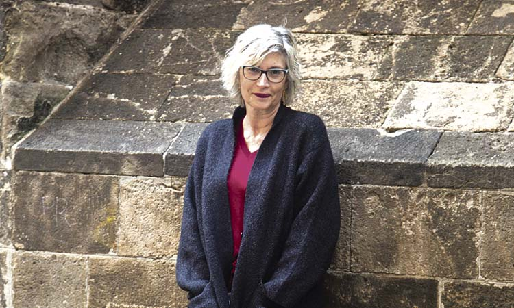 """Núria Pradas: """"Una novel·la és com una investigació sobre un mateix"""""""
