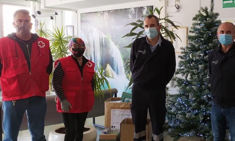 Prop de 230 infants reben joguines gràcies a la Creu Roja
