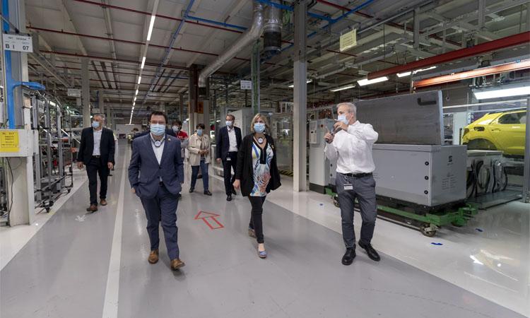 """Aragonès i Vergés visiten la planta de Seat per agrair el seu """"compromís"""""""
