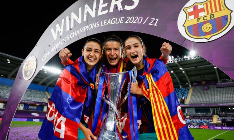 Jana Fernàndez, campiona de Champions i Lliga amb el Barça