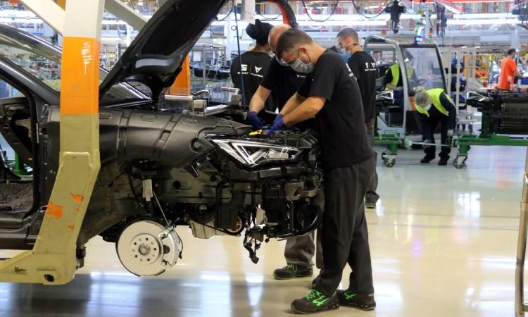 """Acord entre Seat i el govern espanyol per crear una fàbrica de bateries """"a prop"""" de Martorell"""